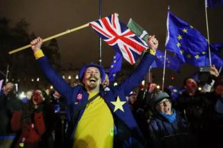 英国脱欧协议遭遇耻辱性失败