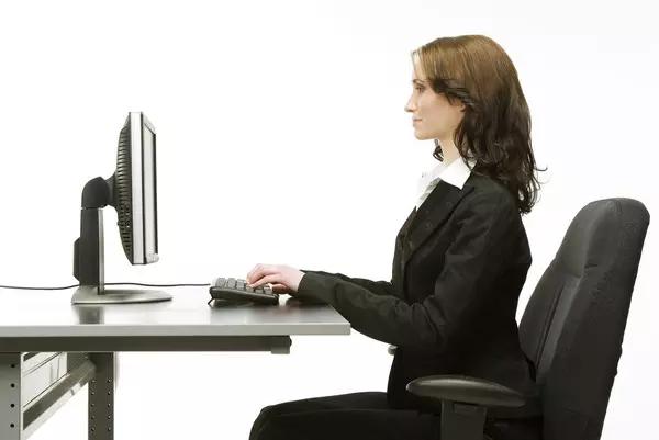 """电脑用久了真的会让你""""头疼"""""""