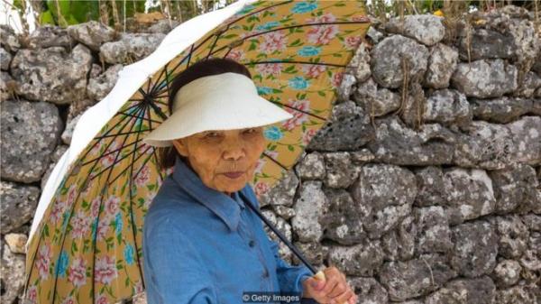 冲绳人活到90岁的高龄仍然很活跃很独立,少见老年病。