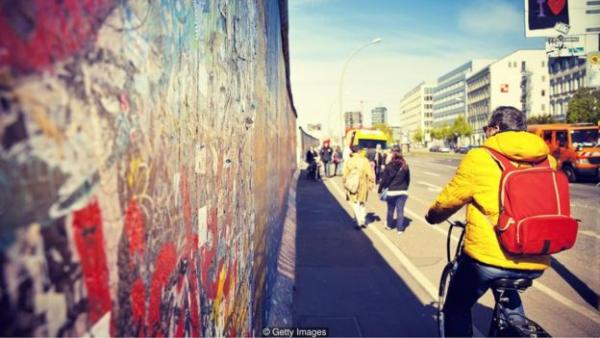 根据经济合作组织(OECD)的数据,德国在教育和技能、工作与生活平衡、就业与收入、财富和主观幸福感等方面均高于平均水平