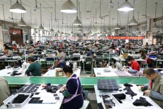 贸易战令全球企业重新评估中国