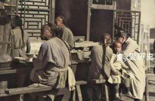 清宫剧都是骗人的 上色老照片还原污浊不堪 卫生极差的北京城