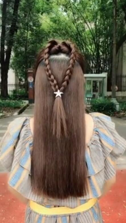 16 + Video Sharing of Big Round Face Girls'Hair Style