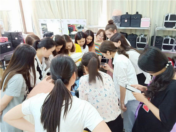 广州化妆培训学校-化妆培训学校实拍
