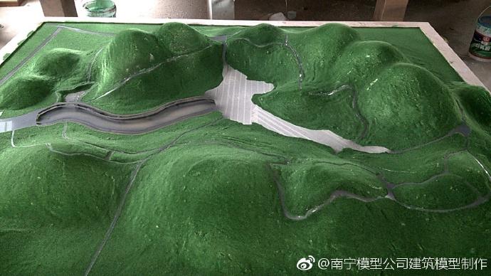 【展示】南宁山体地形模型展示…