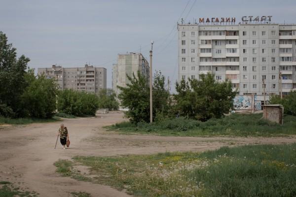 阿夫多什科维奇说,在拥有约10万人口的伐木业中心坎斯克,过去5年里出现了大约100家中国人经营的木材厂。
