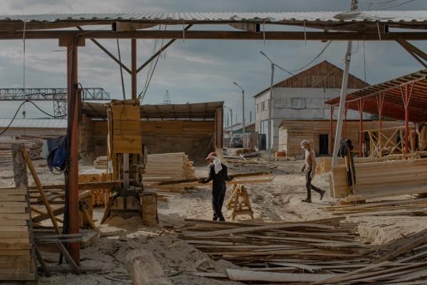 俄罗斯西伯利亚地区坎斯克的一家中国锯木厂。
