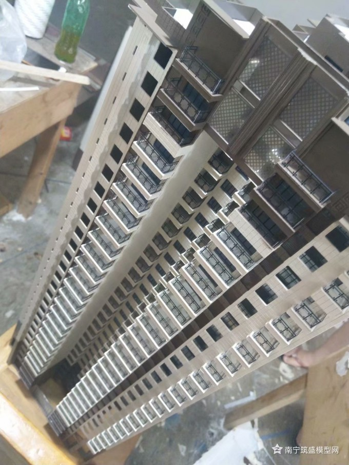 【艺雅】下午开始装栏杆!窗线还差5#A!