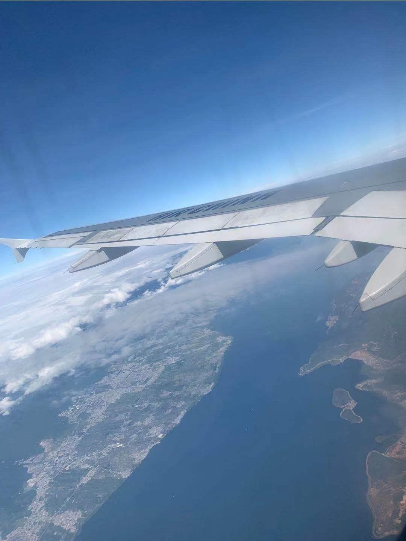 飞机上的洱海.jpg