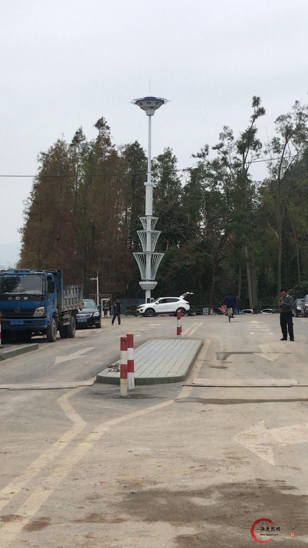 广东肇庆七星岩风景区西门景区入口道路二期20米高杆灯景观照明工程