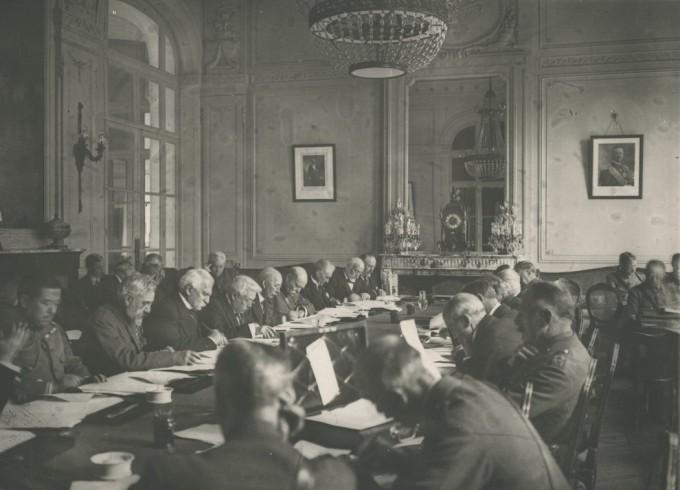 1919年,《凡尔赛和约》的谈判者。德国人对条款内容感到震惊和愤怒。