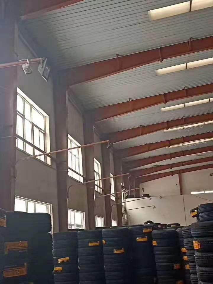 出售库房54米宽144米长边高9