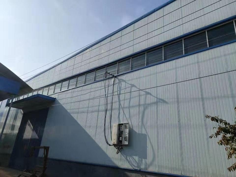 出售二手钢结构库房宽57.7✘长79.5高度9米
