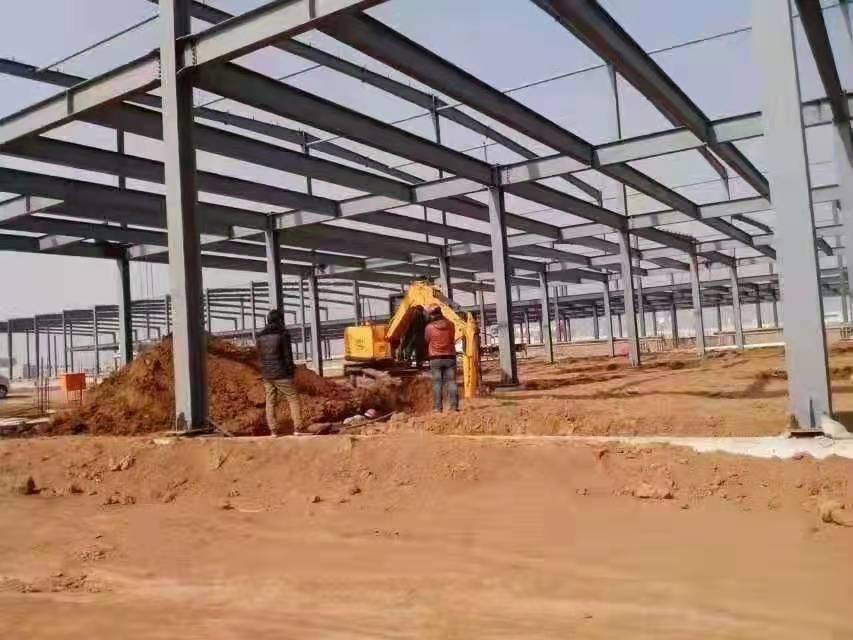 出售二手钢结构框架楼40米宽*100米长*10.5米高二层