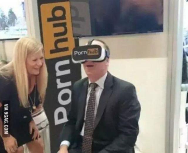在体验VR,Pornhub